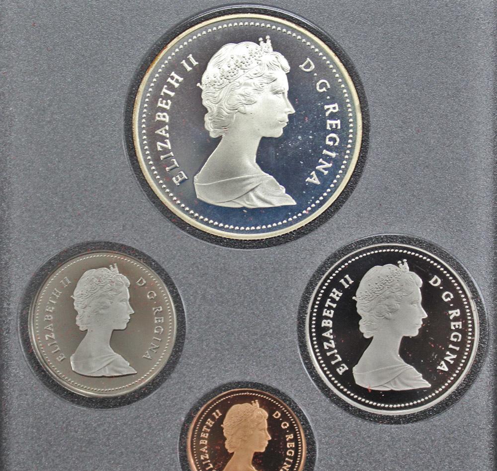 Набор монет Канады 1987 год, в кожаном футляре (Серебро, никель, бронза). PROOF