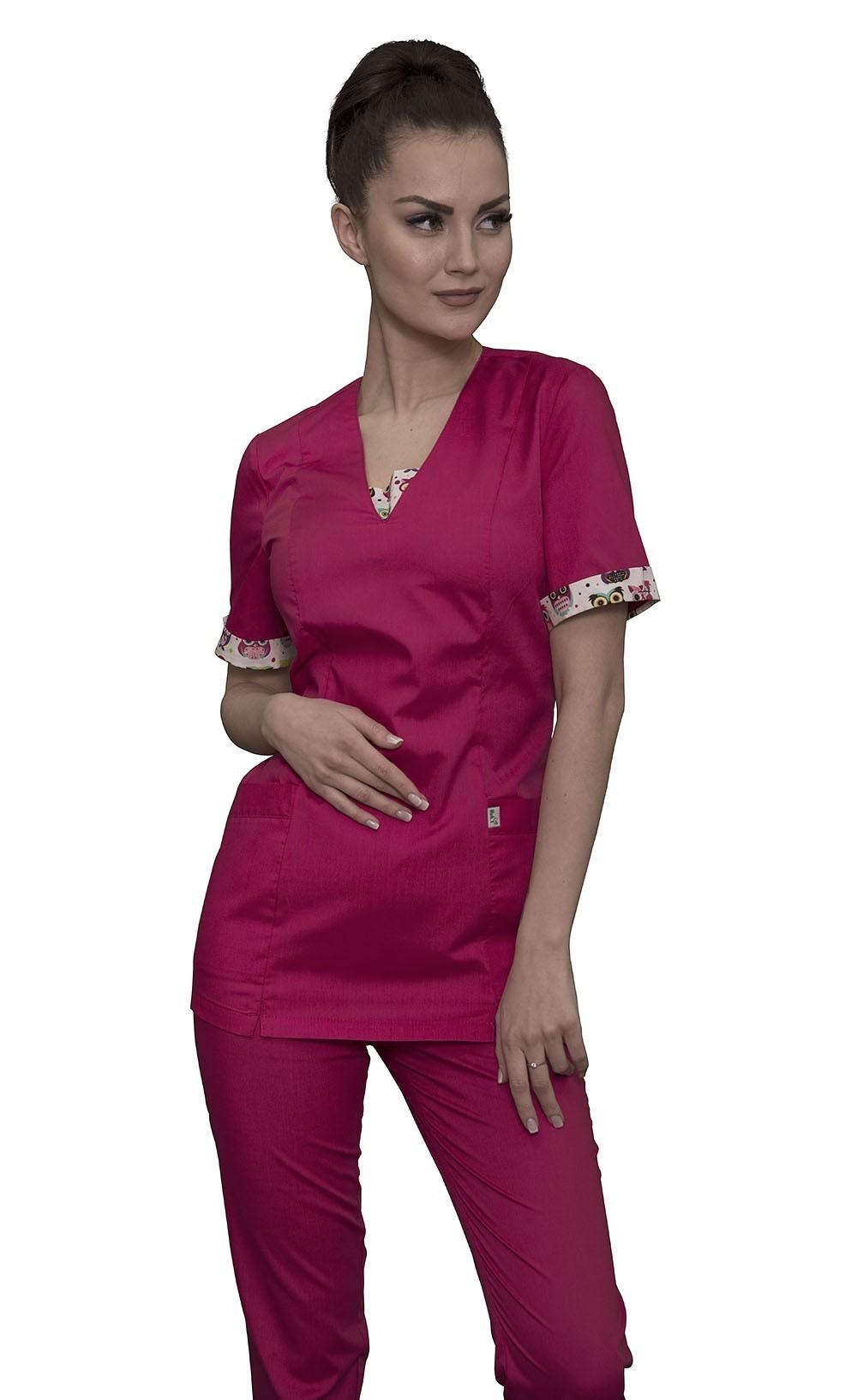 Яркий и удобный медицинский костюм
