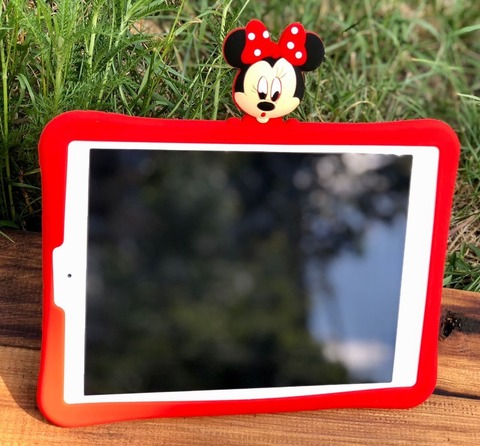 Накладка силикон stand iPad 9.7 (2017/18) Disney Minnie Mouse /red/