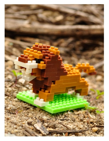 Конструктор Wisehawk & LNO Лев 106 деталей NO. B7 Lion Gift Series