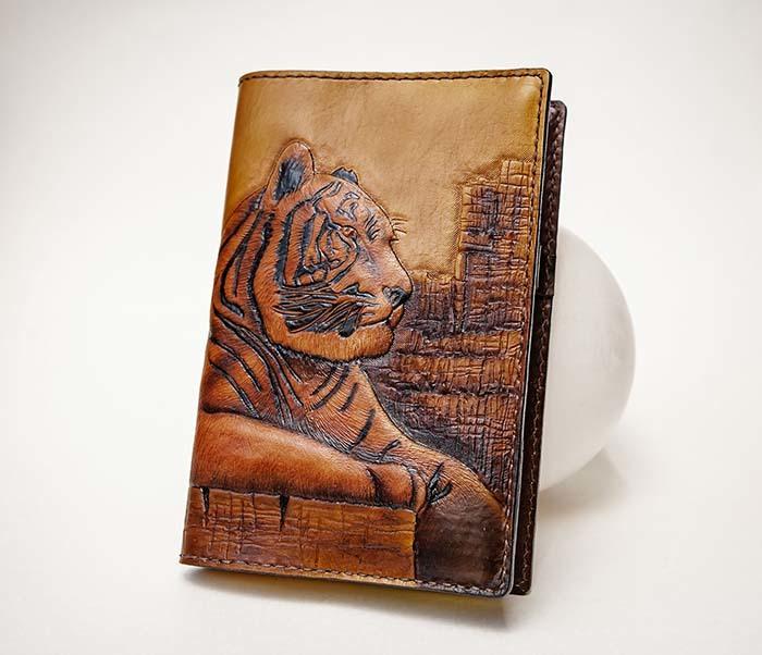 BC196 Кожаный подарочный ежедневник «Тигр», ручной рисунок (A5) фото 02