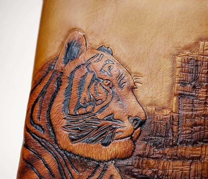 BC196 Кожаный подарочный ежедневник «Тигр», ручной рисунок (A5) фото 03