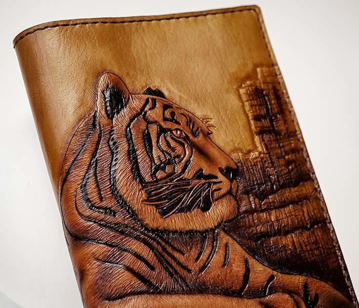 BC196 Кожаный подарочный ежедневник «Тигр», ручной рисунок (A5) фото 05