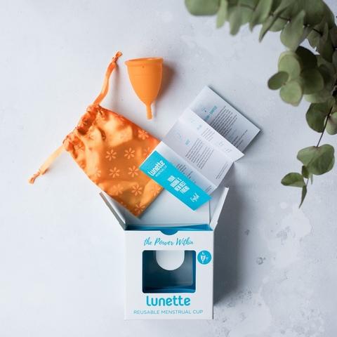 Менструальная чаша Lunette модель 1 оранжевая