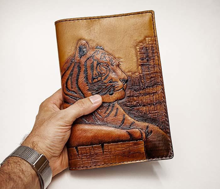 BC196 Кожаный подарочный ежедневник «Тигр», ручной рисунок (A5) фото 10