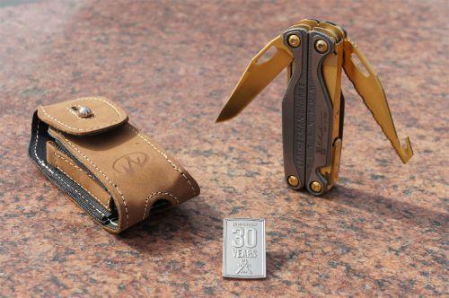 Мультитул Leatherman Charge TTi с золотым покрытием кожаный чехол (подарочная упаковка)