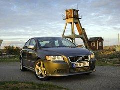Чехлы на Volvo S40 2004–2012 г.в.