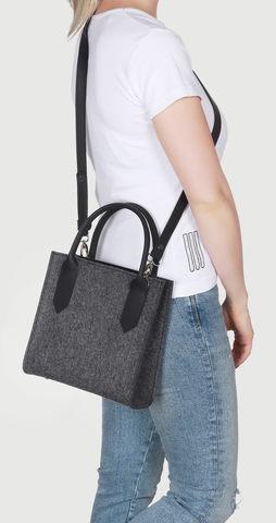 Маленькая сумка темная