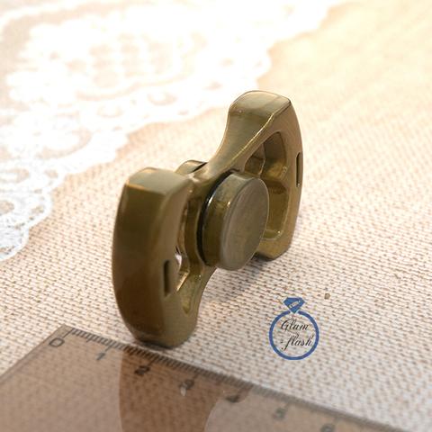 Спиннер металлический с двумя лепестками золотого цвета 17011M_gold