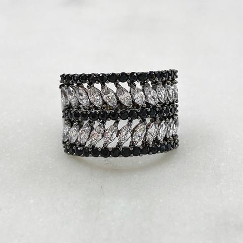 Кольцо Zircon с вставками черный маркиз (юв.сплав)
