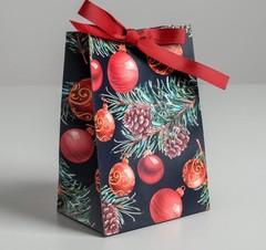 Пакет подарочный с лентой «Ёлочные игрушки», 13 × 19 × 9 см, 1 шт.