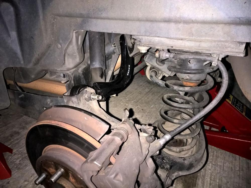 Серповидный развальный рычаг Ford Focus 1 2 3