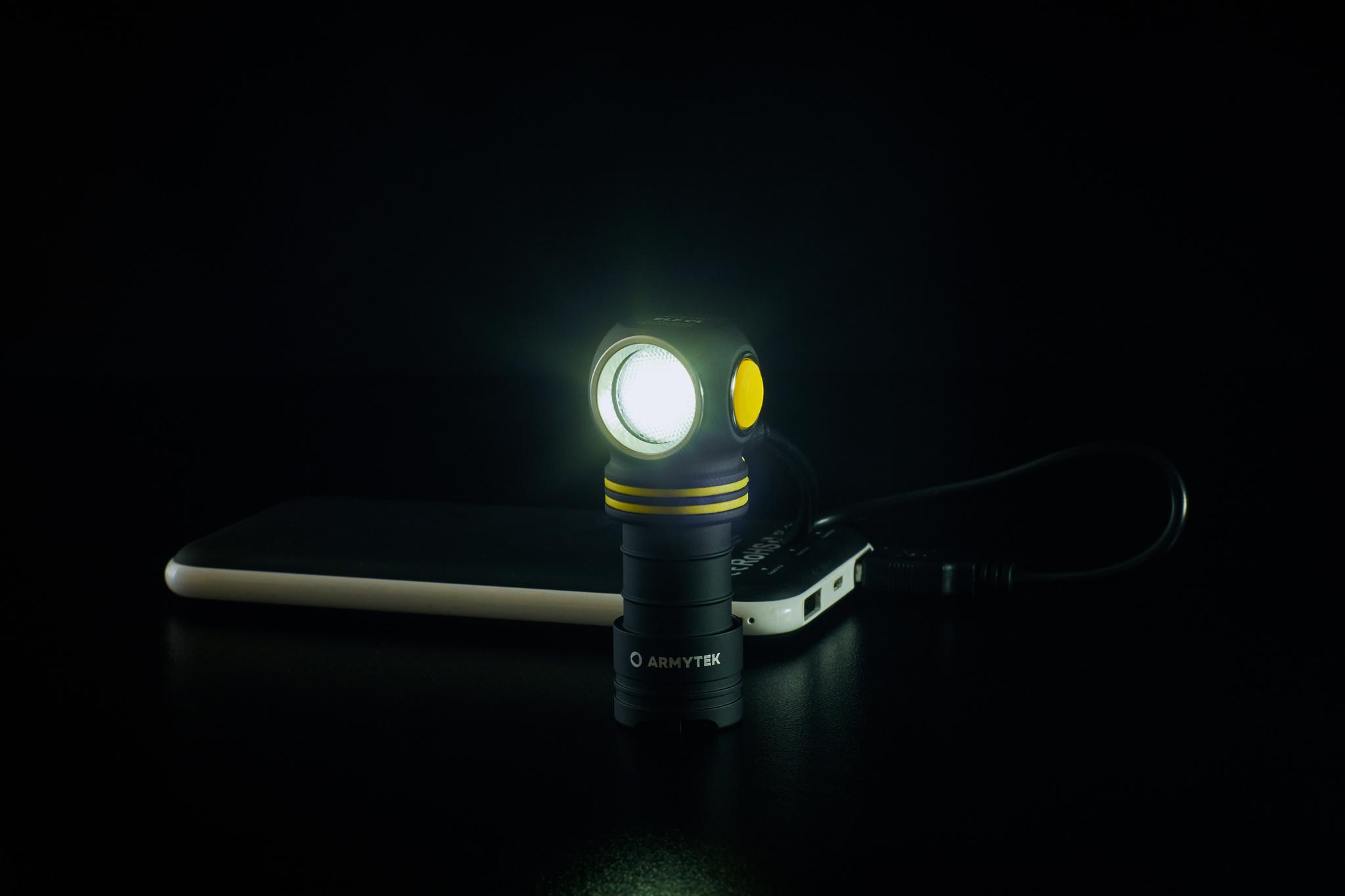 Налобный LED-фонарь Armytek Elf C1 Micro USB - фото 10
