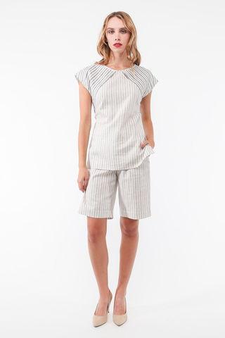 Фото белые льняные шорты-бермуды в тонкую серую полоску с карманами - Брюки А502-132 (1)