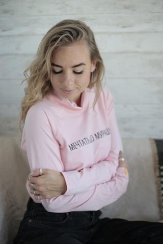 Водолазка розовая с надписью МЕЧТАТЬ ДО МУРАШЕК