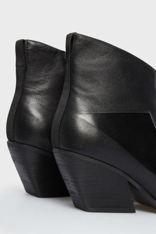 Женские черные кожаные казаки PRPY