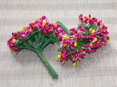 Тычинки в букете разноцветные малиновые