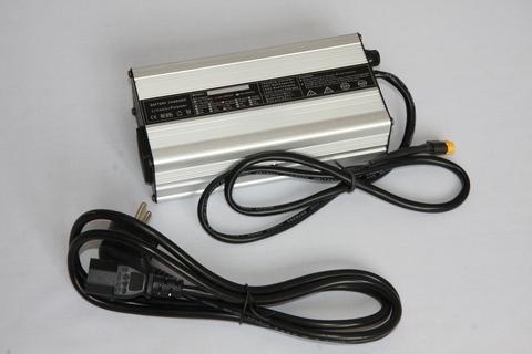 Зарядное устройство 600 Вт (48 / 52 / 77 / 85 В)
