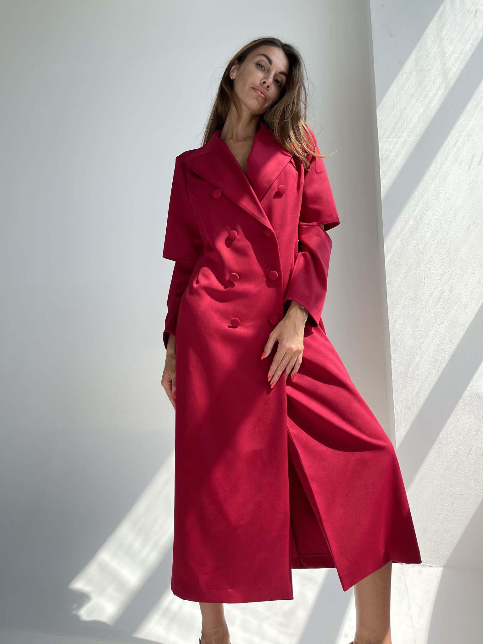 Платье-пиджак  в акцентными разрезами на рукавах