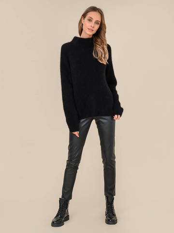 Женский свитер черного цвета из ангоры - фото 5