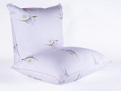 Подушка с двухслойным чехлом 68х68 Царственный ирис