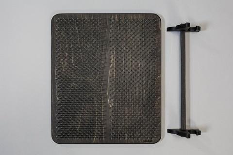 Цельная доска с гвоздями Sadhuboard с подставкой