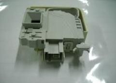 Блокиратор (замок) дверки люка стиральной машины Бош (WLM) 621550