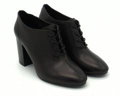 Черные кожаные ботильоны на высоком устойчивом каблуке