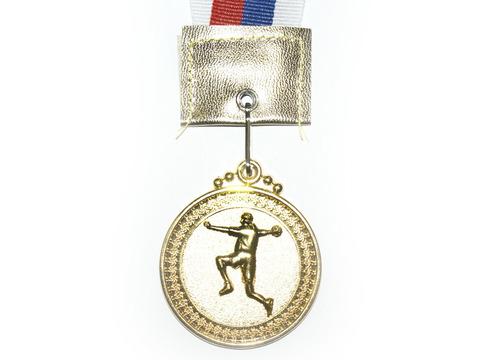 Медаль с лентой (золото). Диаметр 5 см.