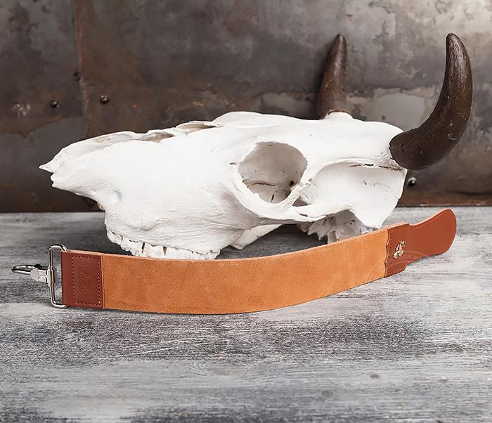 RAZ105 Кожаный ремень для правки опасной бритвы с рукояткой фото 02