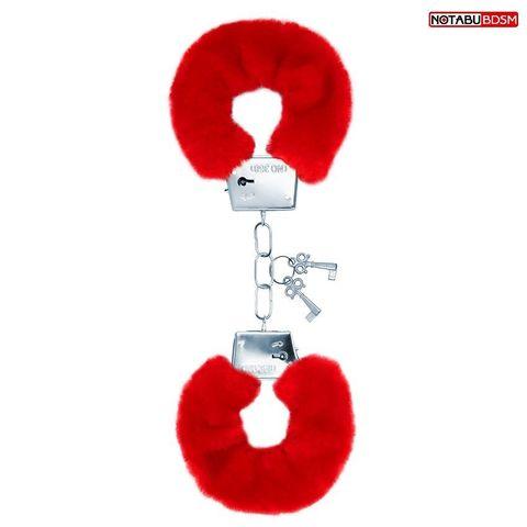 Красные меховые наручники на сцепке с ключиками