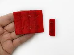 Застежка с крючками красная 2 ряда (цв. 100)