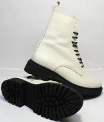 Теплые женские ботинки на толстой подошве Ari Andano 740 Milk Black.