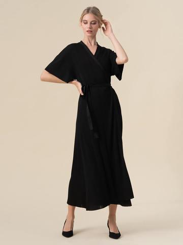 Женское платье-кимоно с поясом черного цвета из вискозы - фото 2