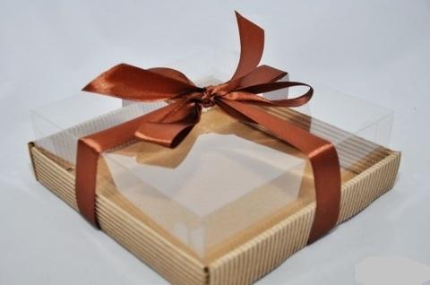 NATURAL COSMETICS Коробочка с пластиковым верхом/ дно гофра картон 18,3*18,3*6 см
