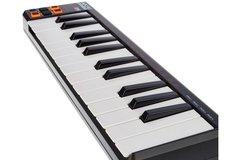 AKAI LPK-25 MIDI-клавиатура