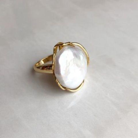 Кольцо с барочным жемчугом, позолота