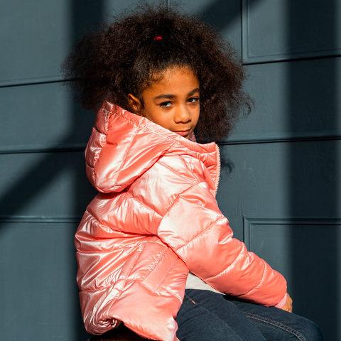 Демісезонна дитяча куртка для дівчинки в рожевому кольорі