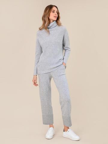 Женский свитер светло-серого цвета из шерсти и кашемира - фото 5