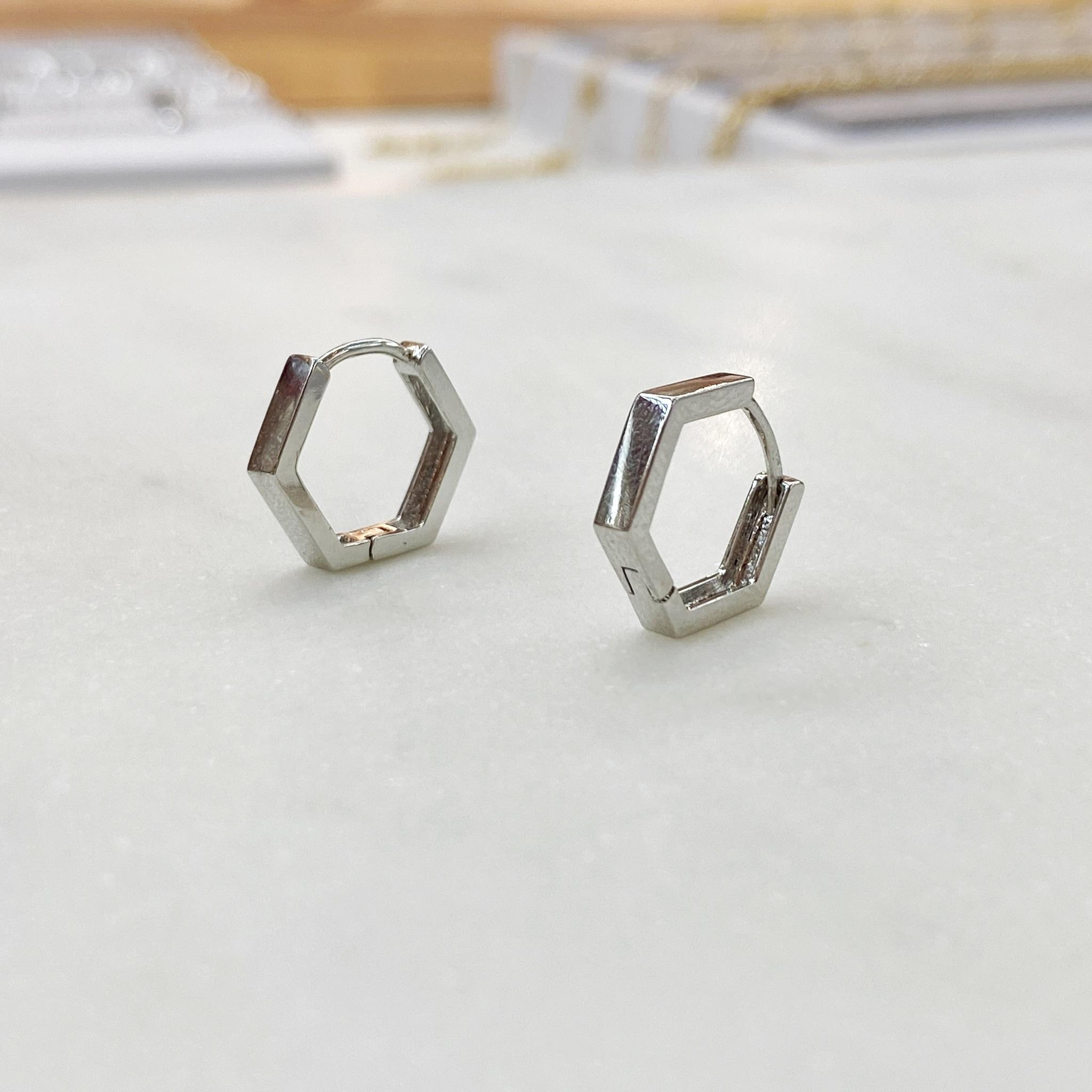 Серьги мини-конго пятиугольные 1,5 см (серебристый)