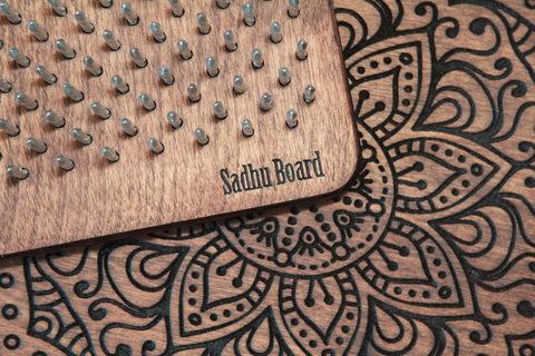 Доска с гвоздями Sadhuboard с подставкой