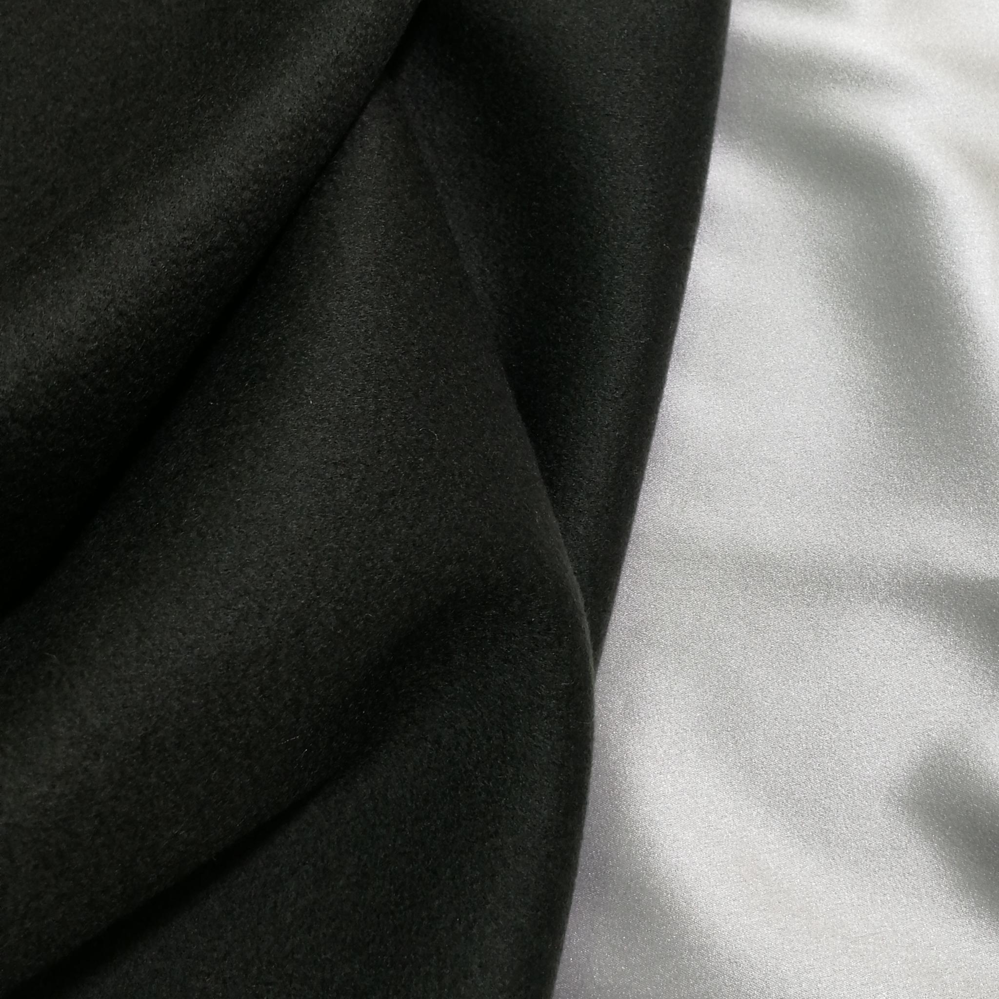 Пальтовый кашемир бутылочно-зелёного цвета