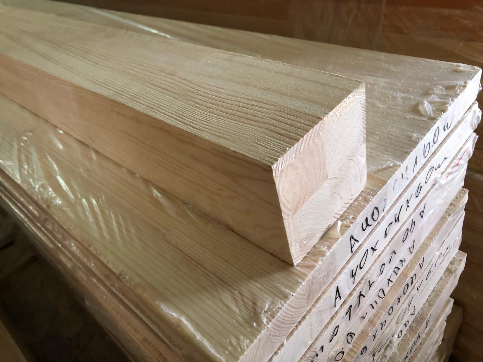 Клееный брус из лиственницы ( сращенный ) 100х100
