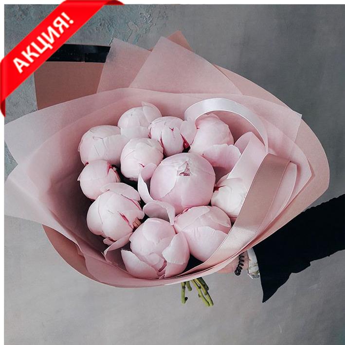 Купить букет 11 розовых пионов Сара Бернар