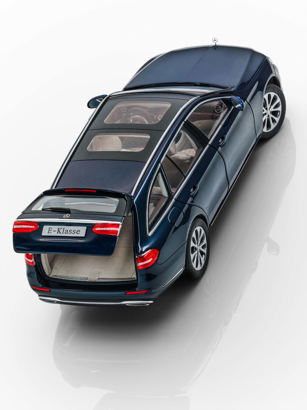 Коллекционная модель Mercedes-Benz E-Class S213 T-Modell 2015 Cavansit Blue