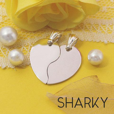 Парные кулоны половинки сердца из серебра для двоих с гравировкой на заказ