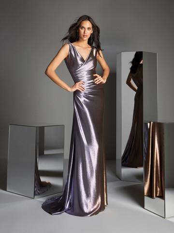 Вечернее платье классическое прямое