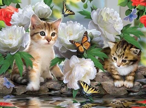 Алмазная Мозаика 40x50 Котята играют с бабочками среди цветов (арт. S2922)