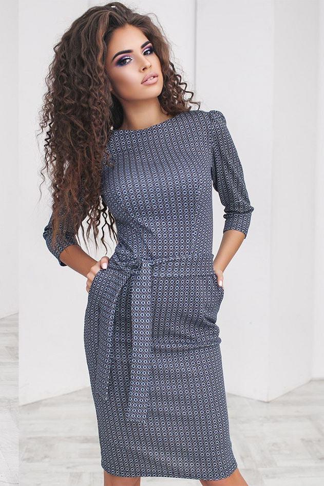 Трикотажное платье футляр с принтом, светло-синее