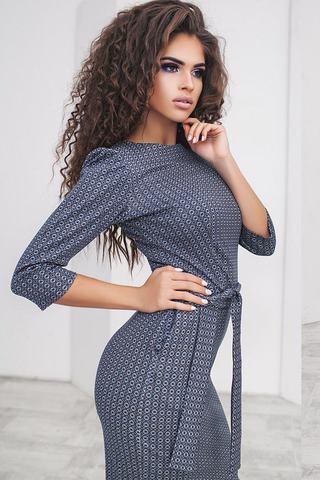 Трикотажное платье футляр с принтом, светло-синее 2